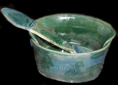 Green bowl, serving spoon